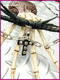 画像2: パンク・ロック系ブレスレット:ブレードレザーブレス・スタッズクロスチェーン (2)