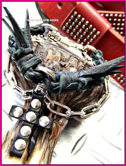 画像1: パンク・ロック系ブレスレット:ブレードレザーブレス・スタッズクロスチェーン (1)